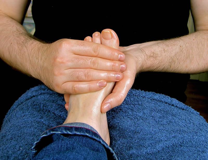 Ankstyvoji pagalba vaikui, turinčiam negalę, ir jo šeimai: Čigong masažo koncepcija