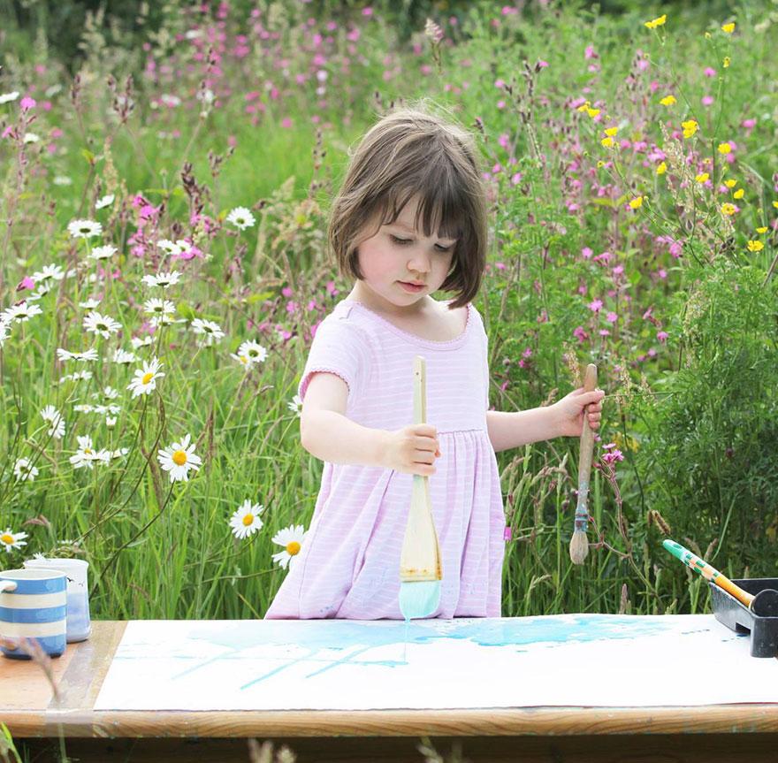 Stulbinantys penkiametės mergaitės, turinčios autizmą, šedevrai