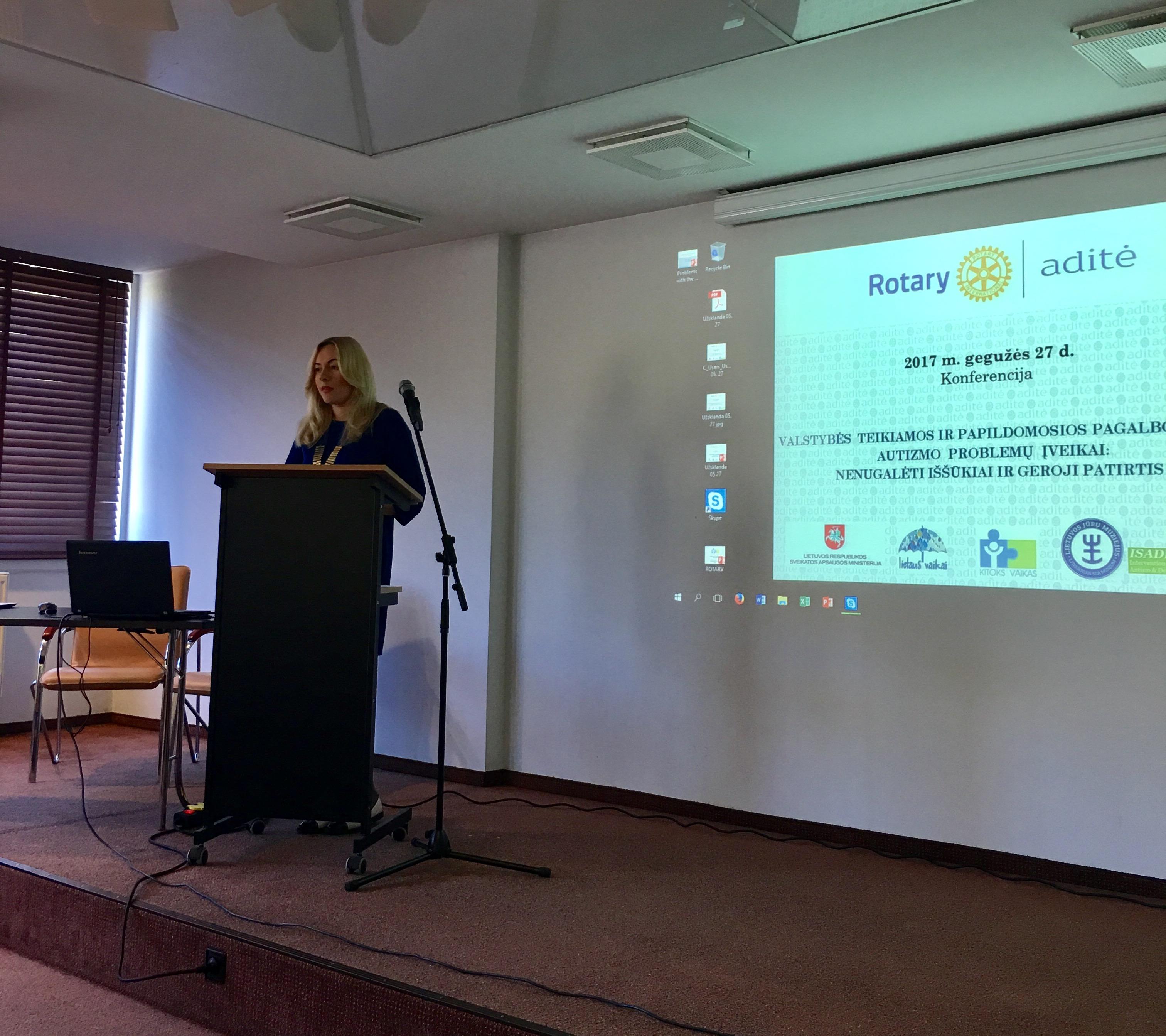 Auginančių autistiškus vaikus šeimų asociacijos Lietuvos vyriausybei pateikė rezoliuciją