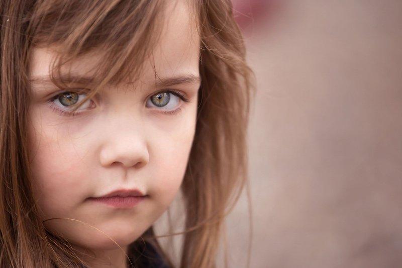 """""""Kitoks"""" vaikas darželyje arba mokykloje: slėpti diagnozę ar sakyti"""